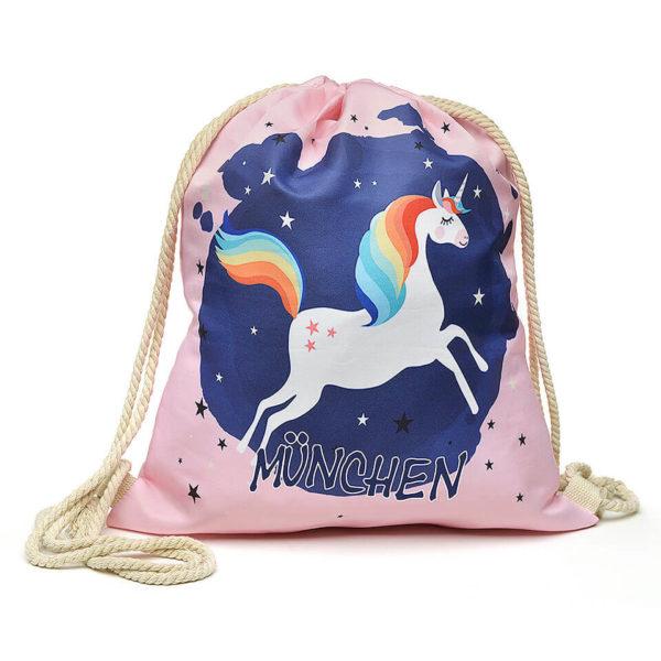 Beutel mit Kordelzügen, Farbe Pink, Motiv Einhorn / Unicorn, zusätzlicher Aufdruck «München»